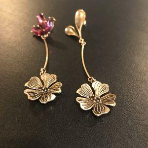 Jewelry - Vintage flower long earrings
